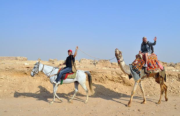 Como é a visitar as Pirâmides do Egito